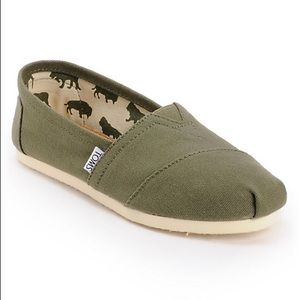 TOMS Classic Canvas Slip On Flats